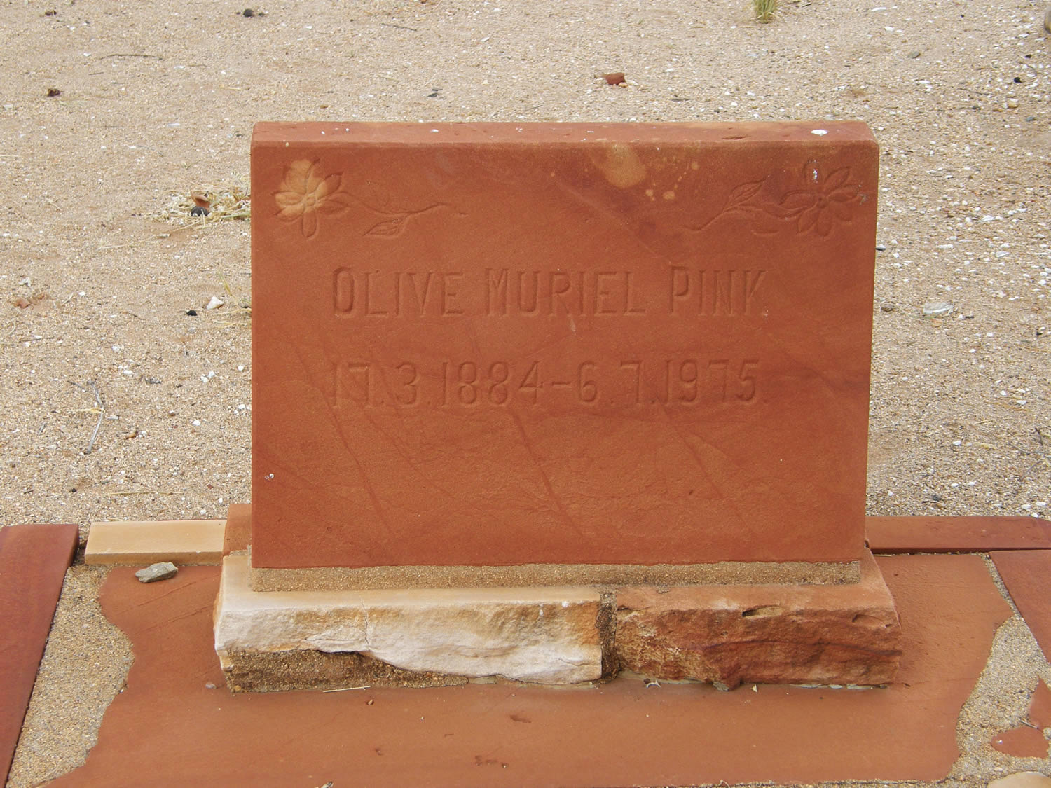 Olive Pink Collection. Photographs of Olive Pink's grave in Alice Springs