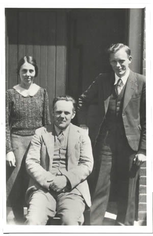 Interview with Professor V. V. Hickman and Dr. Winifred Curtis by John Roberts, University of Tasmania, Hobart, Tasmania, 5th December 1978. Photograph of W. Curtis, V.V. Hickman and H. D. Gordon, 1941